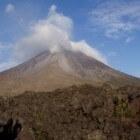 Vulkaan en gletsjer zijn allebei wonderen van de natuur