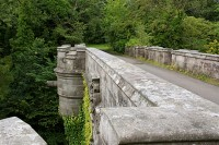 Overtoun Bridge / Bron: Https://en.wikipedia.org/wiki/Overtoun_House#/media/File:OvertounBridge.jpg