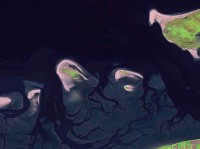 Van links naar rechts: Schiermonnikoog, Simonszand, Rottumerplaat, Rottumeroog, Zuiderduin, Borkum / Bron: NASA World Wind, Wikimedia Commons (Publiek domein)